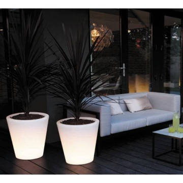 beleuchteter blumentopf elho blumentopf pure straight led light durchmesser 60 cm outdoor. Black Bedroom Furniture Sets. Home Design Ideas
