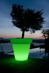 LED-Pflanzgefäß GOTA grün beleuchtet