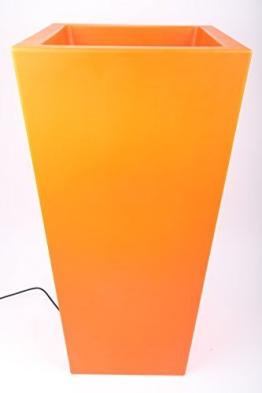 beleuchteter blumenkübel orange