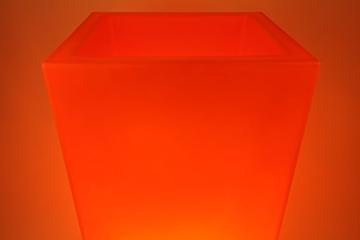 leucht blumenkübel orange